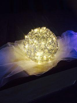 Drahtkugel 30cm mit 100 LED Lichterkette