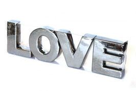 Dekobuchstaben Love in silber