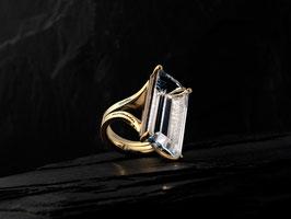 Nomades Ring Manhatten 750 / 000 Gelbgold mit Bergkristall und Brillanten