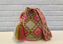 ELLEN Mochila bag handcrafted by Colombian Wayuu women