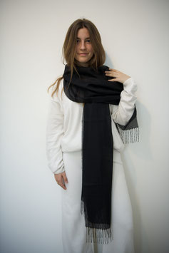 Alpaca shawl - 70% Baby Alpaca, 30% Silk - Black
