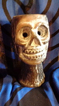 Räuchergefäss Totenkopf