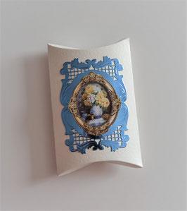 Pillowbox ohne Text creme-blau