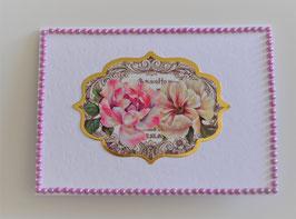 Karte ohne Text Blumenmotiv und rosa Perlensticker