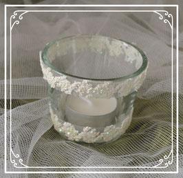 Teelicht im Glas mit weißer Borde