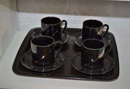 4 Mokkatassen auf Keramikteller