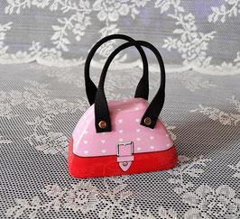 Handtaschendose rosa-rot mit weißen Herzen