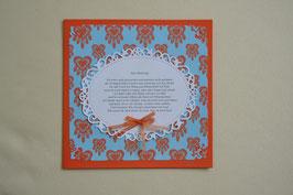 Kart in orange-blau mit Gedicht und Schleife