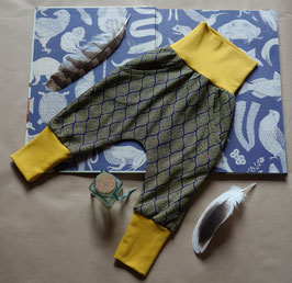 Hapilu Hose mit Seitentaschen 60-80, Senfgelb mit Volett gelben Zwiebelmuster