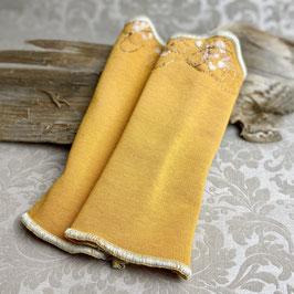 Pulswärmer Gelb bestickt