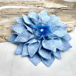 Blume Puschel Hellblau