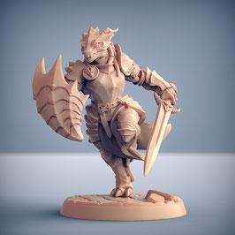 Draconoid Kriegerin mit Schwert und Schild