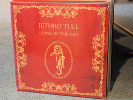 Jethro Tull-Living in the Past