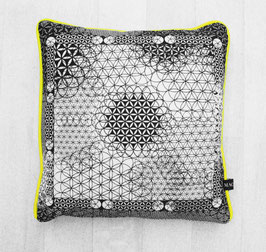 Pillow Manipura Black&White