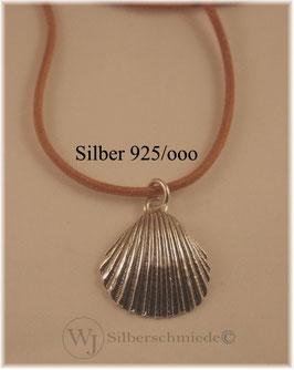 Muschel, Silber 925 mit Öse an Lederband