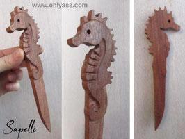 Coupe-papier Hippocampe brun sculpté