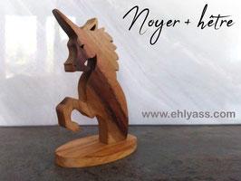 Sculpture Licorne cabrée