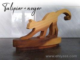 Sculpture Chat debout en tulipier