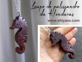 Pendentif Hippocampe sculpté