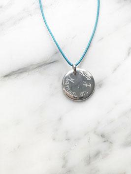 Collier médaille bombée PERSONNALISÉe sur cordon