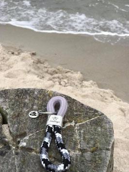 Schlüsselanhänger Segelseil Schutzengel grau-schwarz
