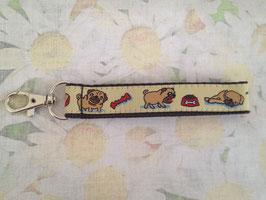 Mini-Schlüsselband mit Hundemuster (Mops)