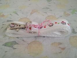 Schlüsselband mit Cupcake-Muster (weiss)