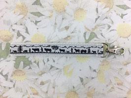 Mini-Schlüsselband mit Alpaufzug-Muster weiss