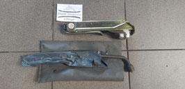 Opel Corsa Bordwerkzeug/ Wagenheber GM 90 135 101