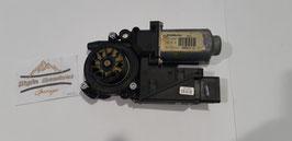 RENAULT ESPACE IV 2.2DCI FH MOTOR RECHTS VORNE