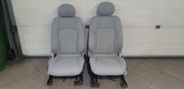 MB W203 220CDI Fahrer- und Beifahrersitz
