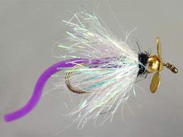 Fliegen für den Forellenteich mit Propeller und Tungstenperle 1