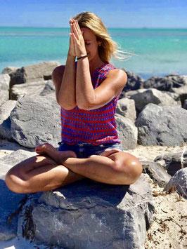 Yoga Workshop im MahaShakti Yoga Studio München in Schwabing: Yoga & Die Magie der Berührung - mit Veronika