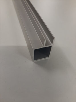 Vierkantrohr 20x20x1,5 mm mit 6,5 mm Nut für Vorsatzgitter 100 cm