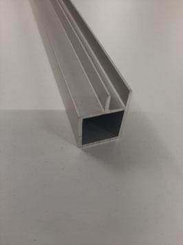 Vierkantrohr 20x20x1,5 mm mit 6,5 mm Nut für Vorsatzgitter 200 cm