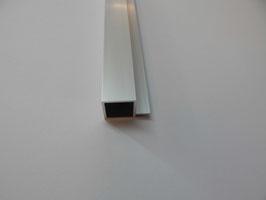 Vierkantrohr 20x20x1,5 mm mit 4 mm Nut  in 100 cm