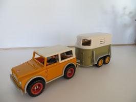 Schleich Jeep mit Anhänger und Fahrer