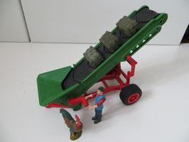 Schleich Farm World Heuförderband mit Bauer, 42377