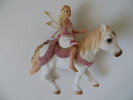 Bayala lilienzarte Elfe auf Pferd, 2014
