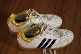 SJ622 adidas 11pro Sportschuh 31
