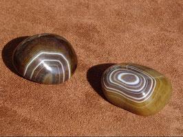 Onyx rubanée en pierres roulées