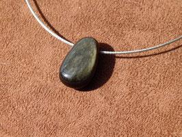 Obsidienne argentée en pierres percées