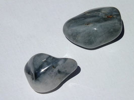 Quartz oeil-de-chat en pierres roulées