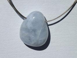 Calcédoine bleue en pierres percées