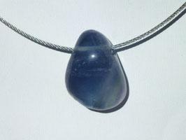 Fluorite bleue en pierres percées