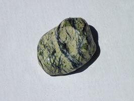 Serpentine claires à nervures en pierres roulées