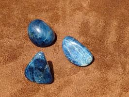 Apatite bleue en pierres roulées