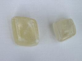 Calcite jaune en pierres roulées