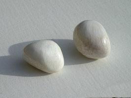 Skolésite en pierres roulées