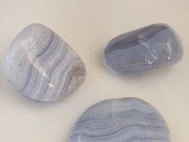 Calcédoine bleue en pierres roulées